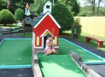 Mini golf and other inexpensive golf business ideas